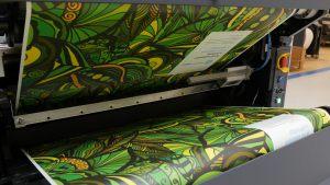 HP Indigo 2000 inkjet printer making wallpaper
