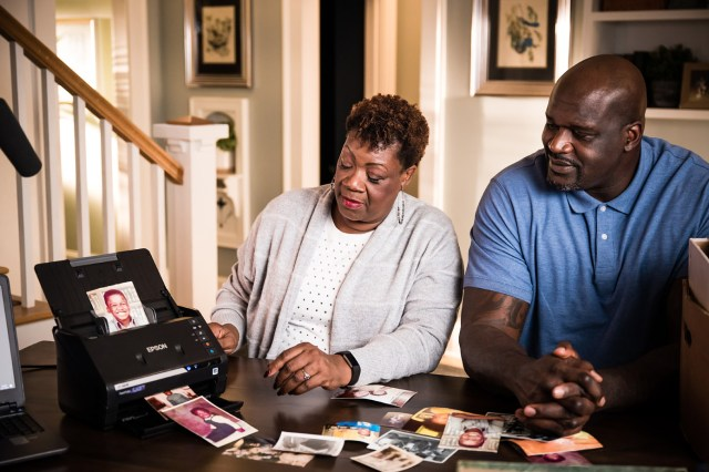 Epson endorser Shaquille O'Neal pitches picture scanner with his mom