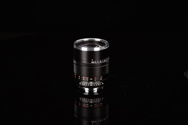 Zhong Yi Optics launches 50mm f/0.95 prime lens for L mount cameras