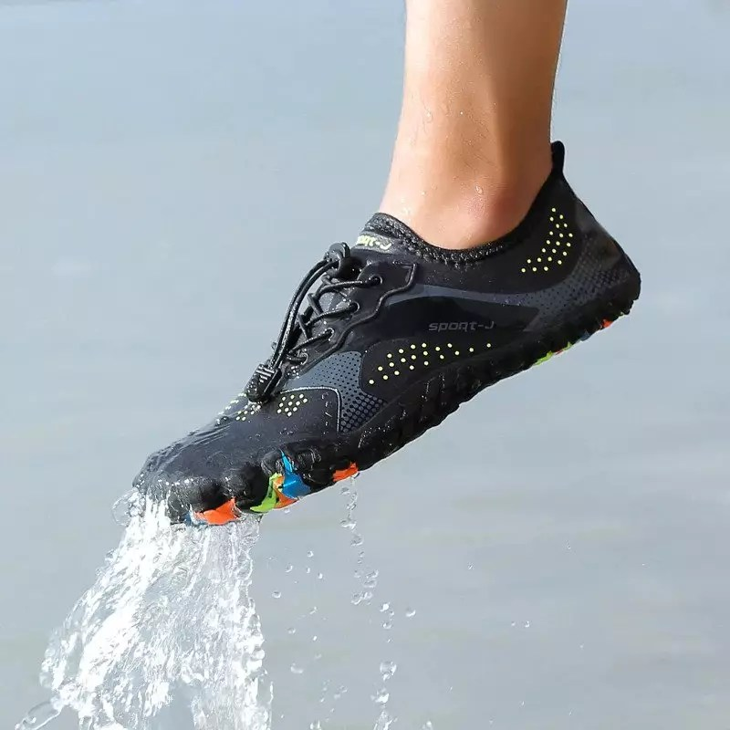 scarpe da mare in offerta che lasciano uscire l'acqua facilmente