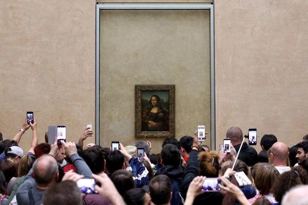 The Madness of Crowds: Mona Lisa edition