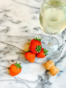 Strawberry and Prosecco Ice Lollies
