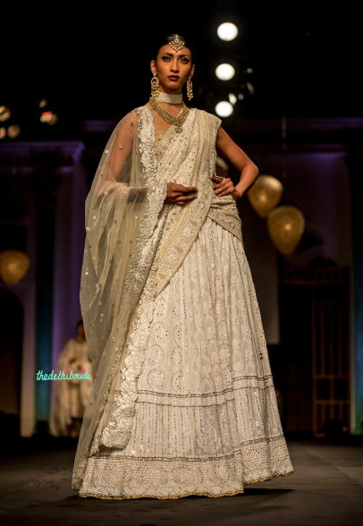 Classic white ensemble with polki jewellery