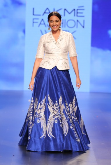 34 Sonakshi Sinha show stopper in blue embroidered lehenga with white gota patti jacket style blouse | Anita Dongre Love Notes | Lakme Fashion Week 2016