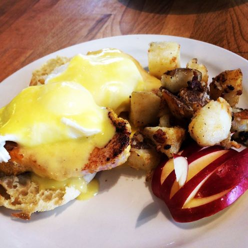 Manhattan | the classic; hollandaise, poached egg, Canadian bacon on English muffin + home fries | 14