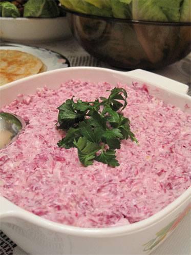 Salatet El Fijil (سلطة الفجل)
