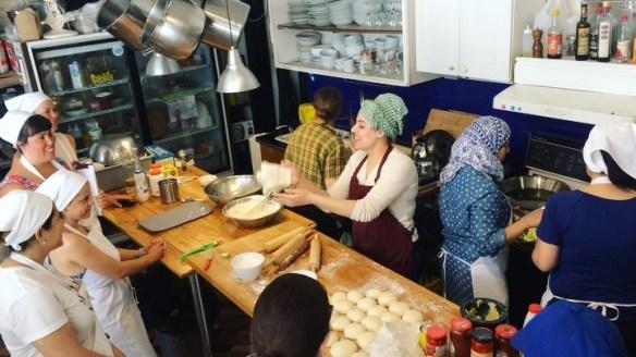 Newcomer Kitchen AirBnB_0004