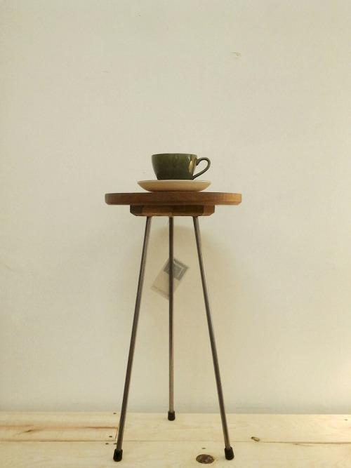 little tea table by reclectics