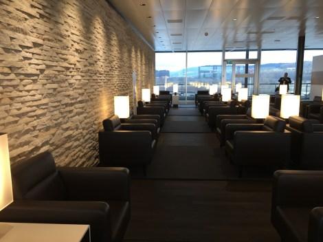 SWISS_neu_SENATOR_Lounge_Dock_E_svenblogt_de_ - 1
