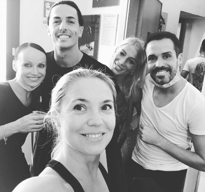 Diana Kicia with Anna Matus, Gabrielle Goffredo, Alina Nowak and Edgar Borjas
