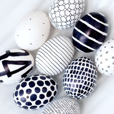 Bold Black & White Eggs | via http://obviouslysweet.com/blog/2012/04/easter-eggs/