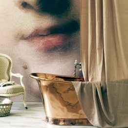 This vintage copper bath and mural makes for a statement bathroom that speaks of luxe! | via http://www.housetohome.co.uk/bathroom/picture/statement-bathroom