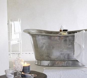 Solid copper Bateau bath with a tinned finish | via http://www.thebathworks.com/TBW2013/Copper_Bateau.html