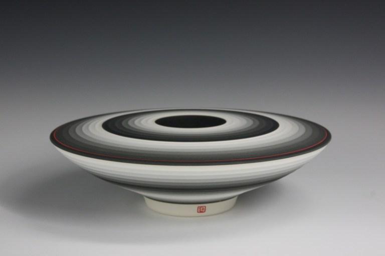 OPject Floating no.17, D: 23.7 cm × H: 5.8 cm, 2015, Jin Eui Kim