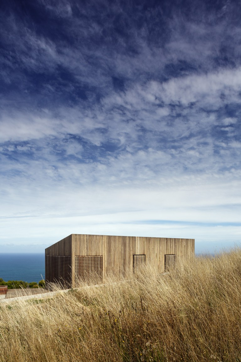 The Moonlight Cabin by JCB is an experiment in designing for this location. Photo: Jeremy Weihrauch of Gollings Studio