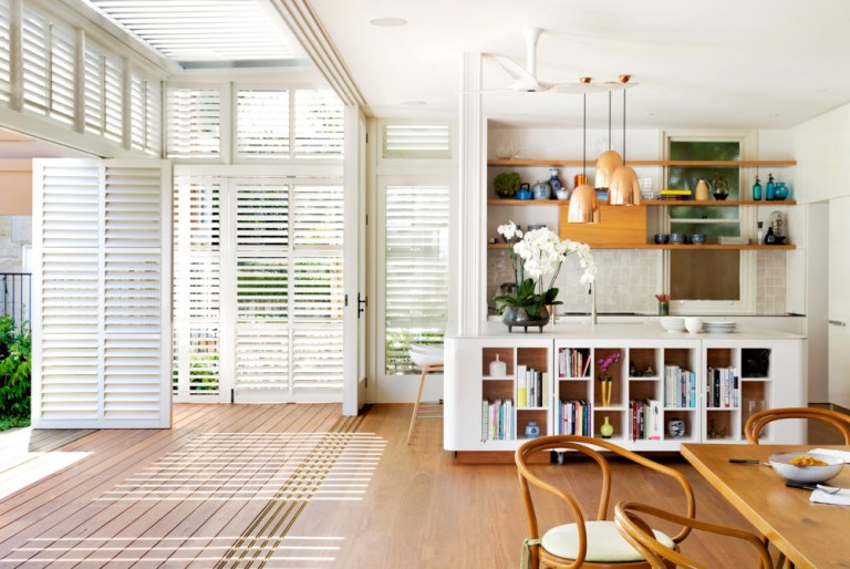 Living, informal dining, design by Luigi Rosselli Architects. Photo: Justin Alexander