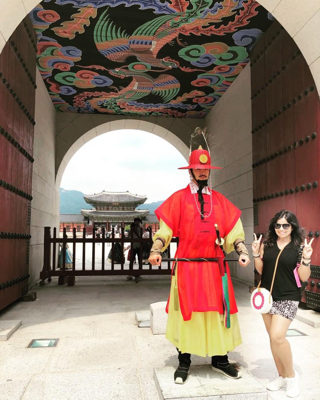 changing of guards at Gyeongbokgung Palace