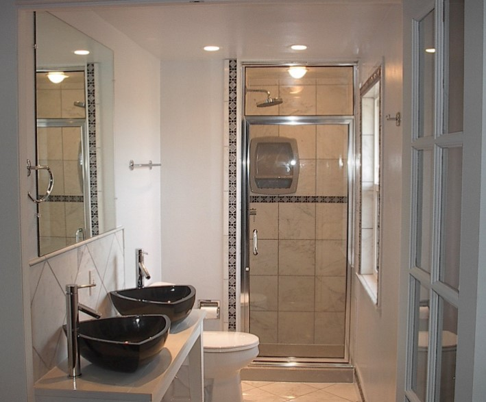 50 Amazing Small Bathroom Remodel Ideas | Tips To Make a ... on Amazing Small Bathrooms  id=36119