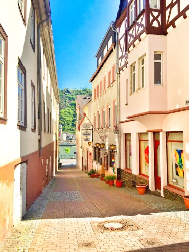 Exploring the streets of St. Goar