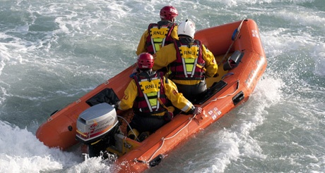 RNLI Flood Rescue Team in training credit RNLI Simon Culliford MS.jpg