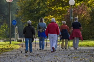 Photo of people walking - which can help with type 2 diabetes
