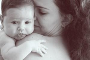 Photo de femme avec bébé: Breasfeeding diminue le risque de diabète
