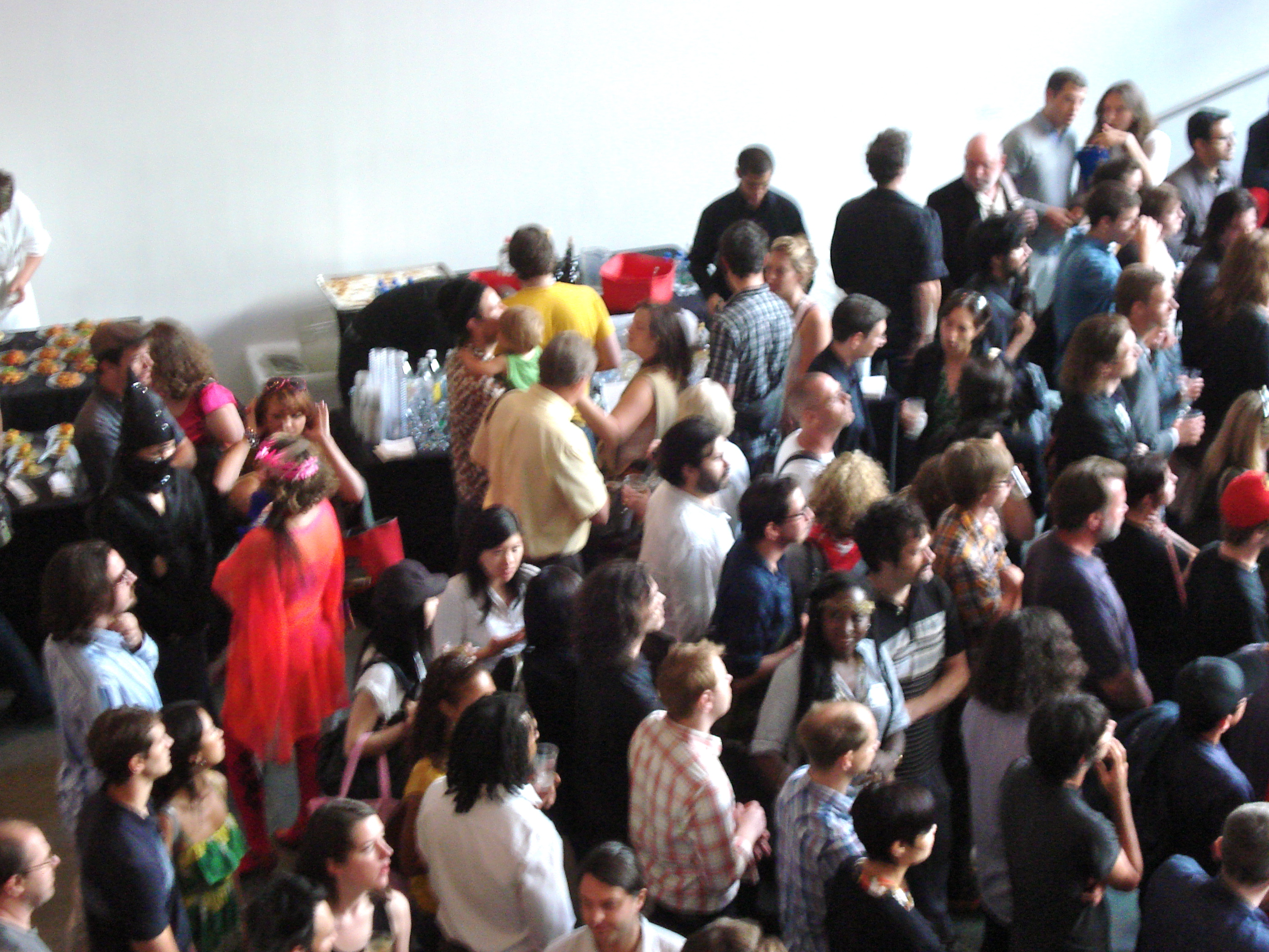 MoMA crowd from above.