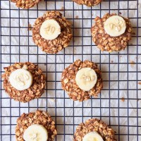 4-Ingredient Banana Oatmeal Breakfast Cookies