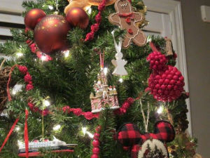 Psarianos Christmas Tree 2