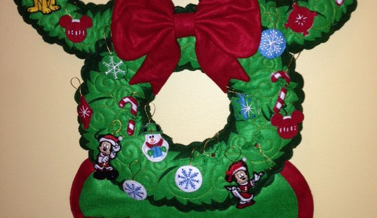 MIckey Advent Wreath - Holiday Traditions