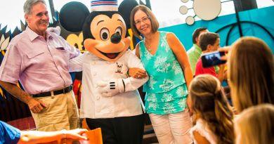 Multigenerational - chef mickey's