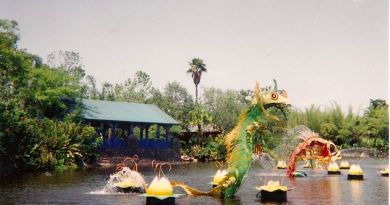 throwback thursday Animal Kingdom River Sculpture
