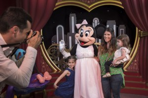 Minnie Mouse - dhs - meet & greet