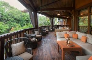Tiffins Animal Kingdom - nomad lounge