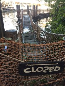 tom-sawyer-barrel-bridge