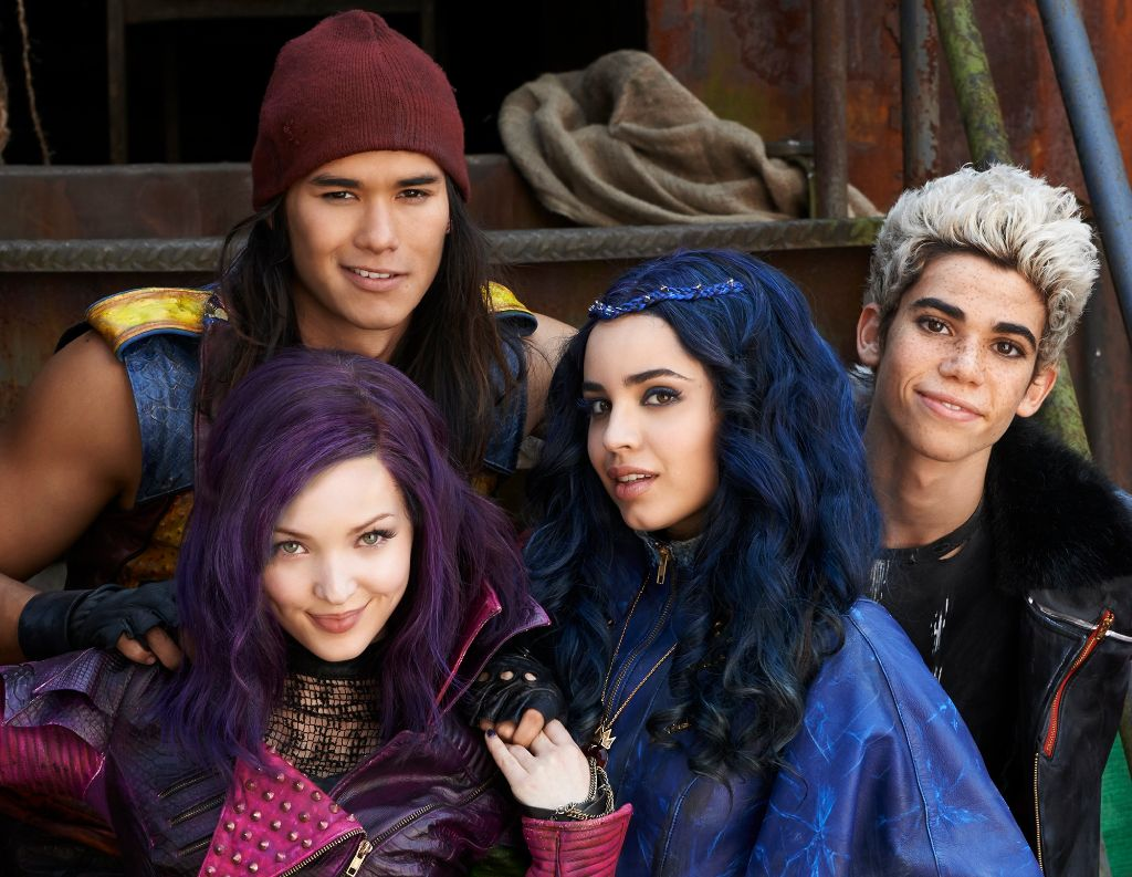 """Stars of """"Descendants 2"""" to Host and Perform on Disney Channel Holiday Special"""