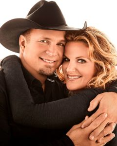 Trisha Yearwood and Garth Brooks to Perform on ABC's Thanksgiving and Christmas Specials