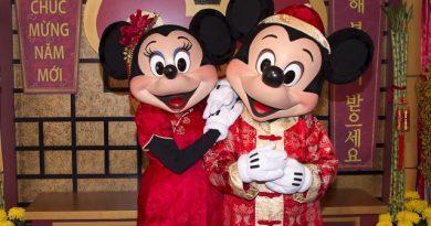 Disneyland Lunar Year Celebration Mickey Mouse Minnie Mouse