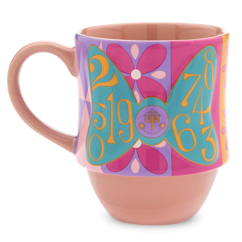 Minnie Mouse- The Main Attraction Disney It's A Small World Mug