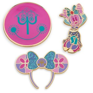 Minnie Mouse- The Main Attraction Disney It's A Small World Pin Set