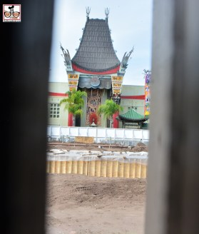 A small opening in the wall in front of the Chinese theater. Something will be there when the wall comes down. Disney has less than 4 weeks to get the stage ready for Star Wars Weekend!!! Looks like concrete forms to me, maybe?