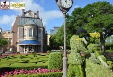 Cinderella Topiary near France - Epcot International Flower and Garden Festival 2015