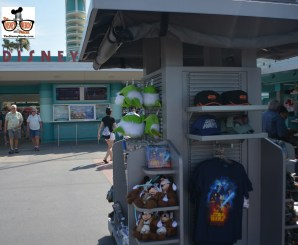 The Disney Nerds Podcast - Star Wars Weekend 2015 - Merchandise available outside the main entrance.