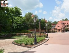 I get a little disappointed walking world showcase when it's not an event... So much space! longing for the German Bier Garden.