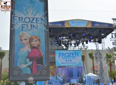 Frozen Summer Fun stage - Exactly the same as the Star Wars Weekend Stage -