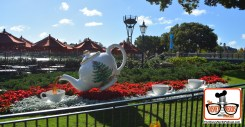 2015-12 - Epcot - Holidays Around the World in united Kingdom featured a giant Christmas tea pot