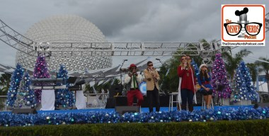 2015-12 - Epcot - American Music Machine performs daily on The Fountain of Nations stage