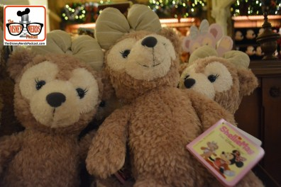 2015-12 - Magic Kingdom - Holiday Merchandise - Duffy's Girlfriend - ShellieMay