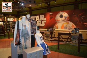 DNP April 2016 Photo Report: Disney Springs - Lots of Star Wars in once upon a toy.