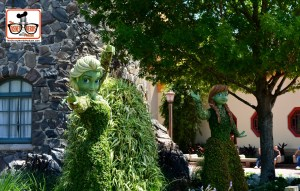 DNP April 2016 Photo Report: Epcot Flower and Garden Festival. Anna and Elso in Norway this year